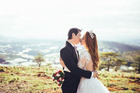 'Phạm lỗi' với cô nàng chưa 18 tuổi, chàng 'chịu phạt' bằng bộ ảnh cưới 1 tỷ đồng