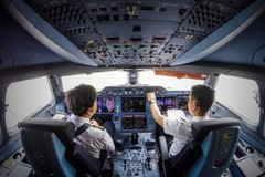 Vietnam's airlines industry still lacks a large number of pilots