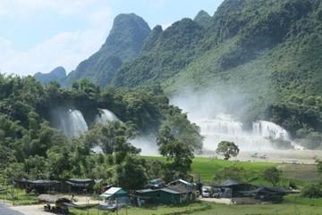 Ban Gioc – a majestic waterfall