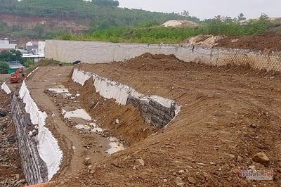 Khánh Hòa: Hoàn tất tháo dỡ bức tường 'khổng lồ' trên đầu nhà dân