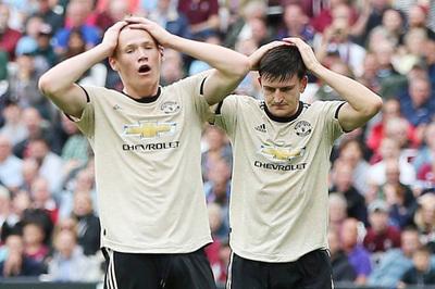 """MU thua """"lấm lưng trắng bụng"""" trước West Ham"""