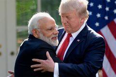 """Thủ tướng Ấn Độ thăm Mỹ, ông Trump công bố """"quà tặng"""" bất ngờ"""