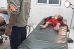 Cả nhà đi xe máy gặp nạn ở Hà Nội, 3 mẹ con tử vong