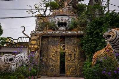Ngôi nhà gần 10 tỷ đồng trông như động Ngưu Ma Vương ở Hưng Yên