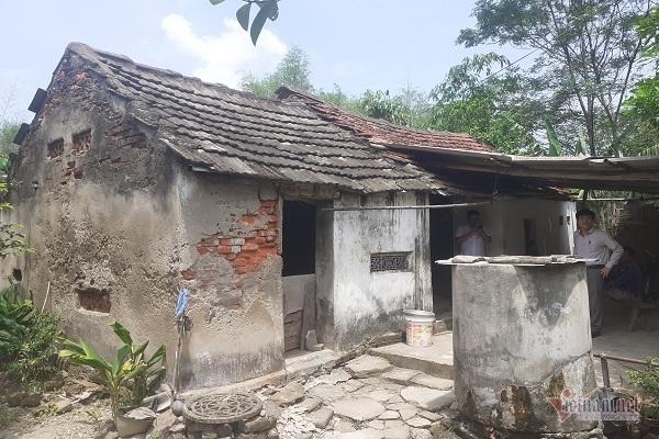 Kiếp neo đơn mong 'Ngôi nhà mơ ước' để khỏi lánh nạn lúc mưa gió