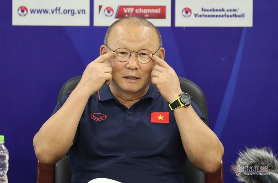 Tuyển Việt Nam, thầy Park tính liều có... ăn nhiều?