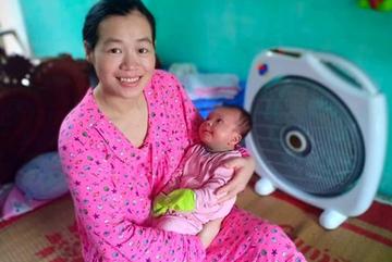 Mắc ung thư máu 11 năm, người phụ nữ hạnh phúc làm mẹ nhờ có thai tự nhiên