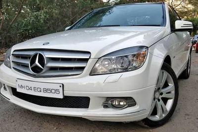 Xe sang Mercedes C-Class 8 năm tuổi giá chỉ 237 triệu đồng