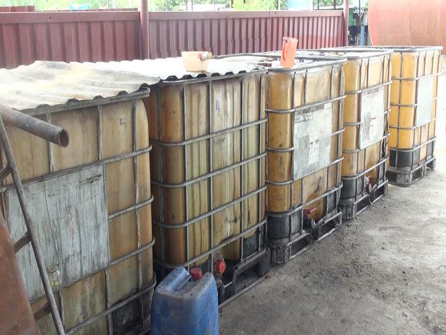 2 giám đốc và đồng bọn bị bắt quả tang sản xuất dầu giả quy mô lớn