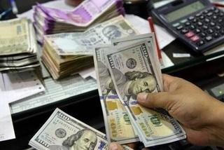 Vietnam's forex reserves peak at $70 billion