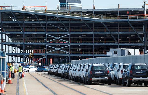 """Ngành công nghiệp ô tô nước Anh đang đối mặt với """"án tử"""""""