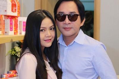 Vợ kém 11 tuổi của Kim Tử Long: 'Chồng tôi đào hoa chứ không trăng hoa'