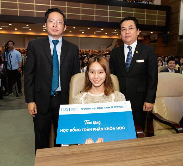 C.T Group 'truyền lửa' cho sinh viên ĐH Kinh tế TP.HCM