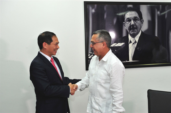 Vietnam, Cuba hold fifth political consultation