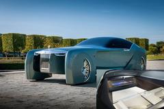 Xe điện Rolls-Royce không có vô lăng gây sốt