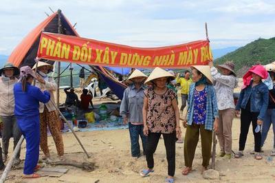 Dân dựng lều phản đối lò đốt rác, Quảng Nam phát lệnh di dời