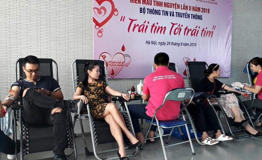 Tuổi trẻ Bộ TT&TT hiến máu nhân đạo 'Trái tim tới trái tim'