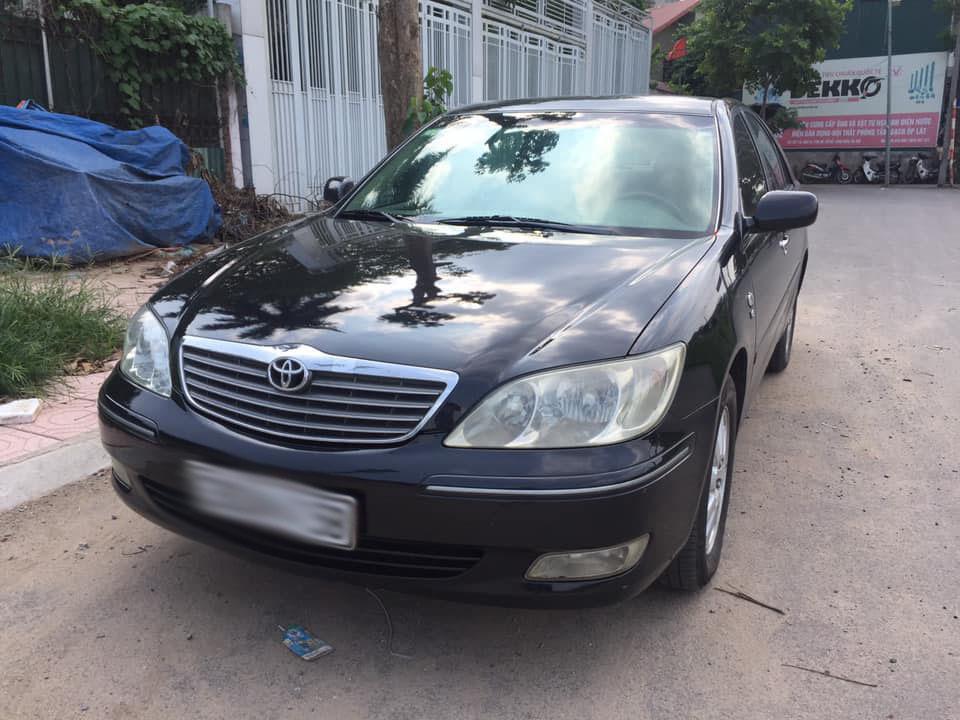 Xe sang Lexus, Camry bán giá siêu rẻ ở Việt Nam
