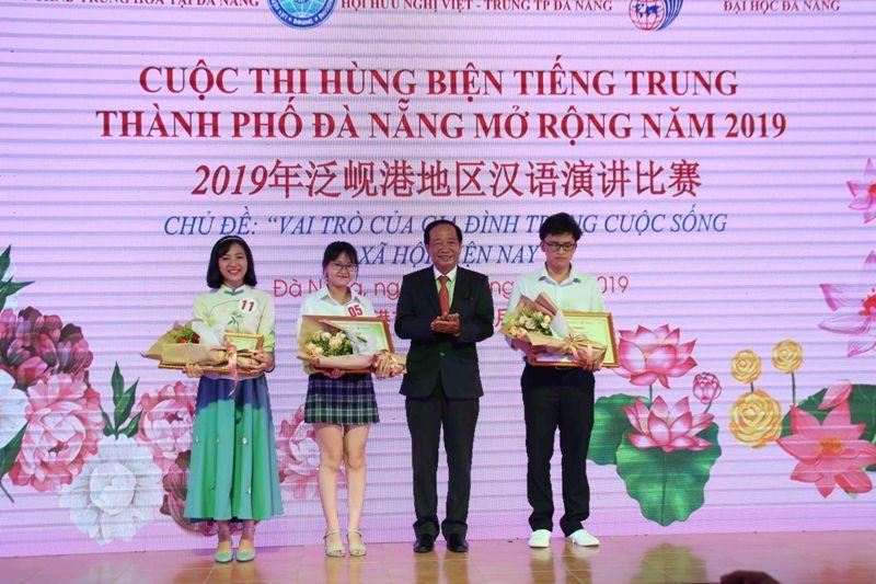Nữ sinh Đà Nẵng giành chiến thắng cuộc thi hùng biện tiếng Trung