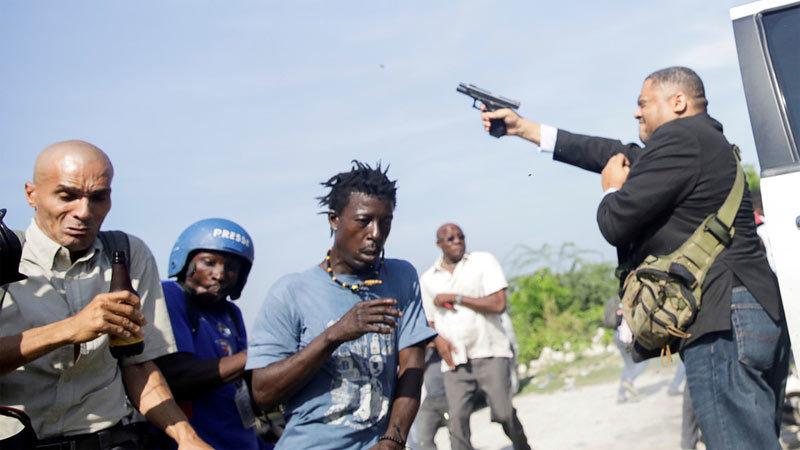 Haiti,nổ súng,thượng nghị sĩ,phóng viên,nhà báo ảnh