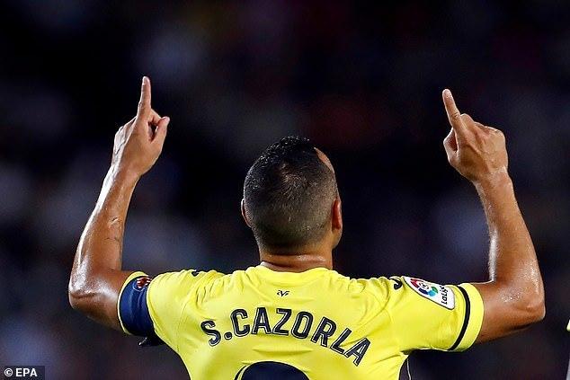 Messi châm ngòi, Griezmann tỏa sáng giúp Barca hạ 'Tàu ngầm vàng'