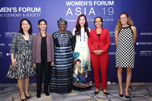 Á hậu Thu Hương làm diễn giả tại Diễn đàn Phụ nữ Châu Á 2019