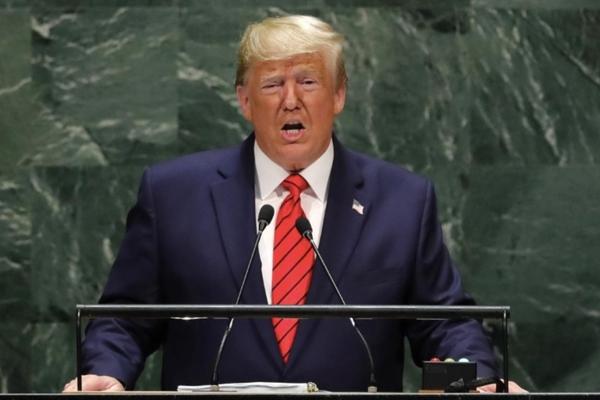 Tố Iran 'khát máu', ông Trump vẫn 'mở đường thoát'
