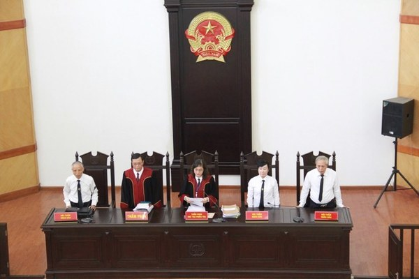 Cựu Thứ trưởng Lê Bạch Hồng nhận 6 năm tù, phải bồi thường hơn 100 tỷ