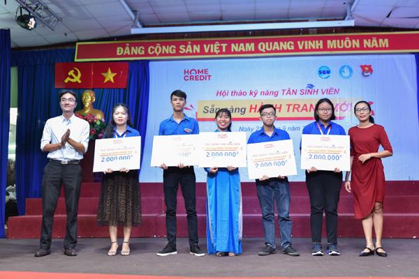 1500 sinh viên TP.HCM học kỹ năng quản lý tài chính