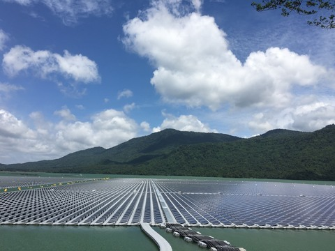 Hydro-floating solar farms: new opportunity for Vietnam's renewable energy sector