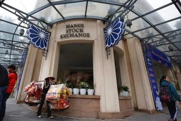 HoSE, HNX to operate under new Vietnam Stock Exchange