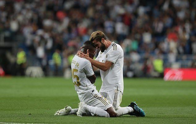 Real Madrid leo lên đầu bảng nhờ 2 tuyệt phẩm