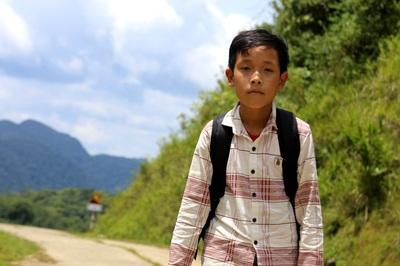 Cậu bé sống một mình trên núi và lời từ chối bất ngờ với thầy chủ nhiệm