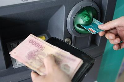 Vô cớ mất tiền từ thẻ ATM và những lưu ý nhất định phải biết