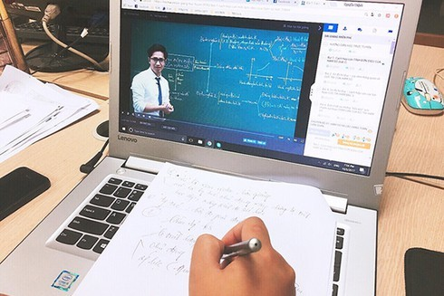Foreign investors flock to Vietnam's exponential growth e-learning market