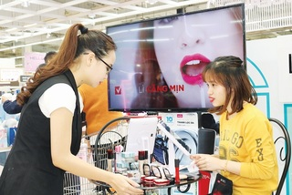 Foreign cosmetics brands flock to Vietnam