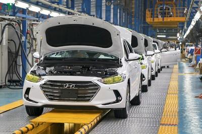 """""""Việt Nam 100 triệu dân, không thể chỉ nhập ô tô về tiêu dùng"""""""