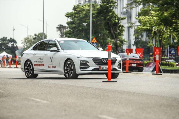 Lái thử xe VinFast Lux: Chuyên gia 'xịn', bài thử hay, tặng vé xem F1