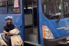 Tài xế xe buýt ở Sài Gòn phun nước bọt người đi đường