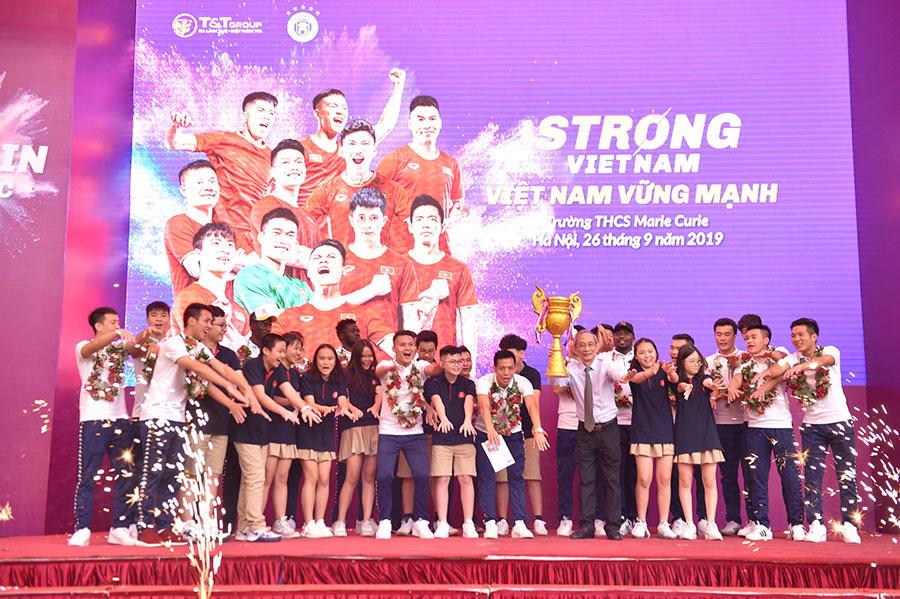 Hà Nội FC 'sớm' nhận cúp vô địch V-League