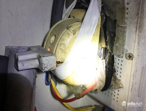 Cao thủ ăn cắp điện, chỉ 2 tháng hưởng lậu 34 triệu đồng