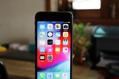 Apple bất ngờ ra bản cập nhật cho iPhone, iPad đời cũ