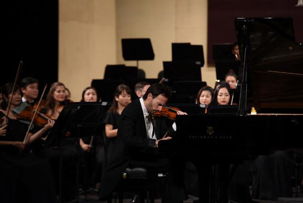 Dàn nhạc Giao hưởng Mặt Trời thêm một bước tiến đến 'sân chơi chuyên nghiệp'