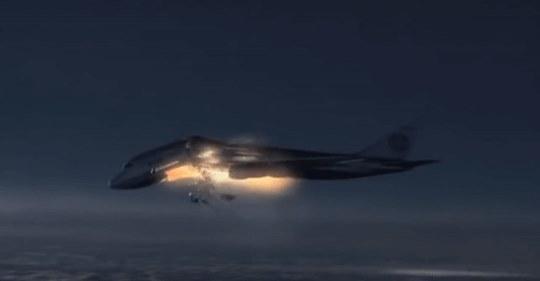 Thảm họa hàng không: Khủng bố gài bom, máy bay nổ xé trời