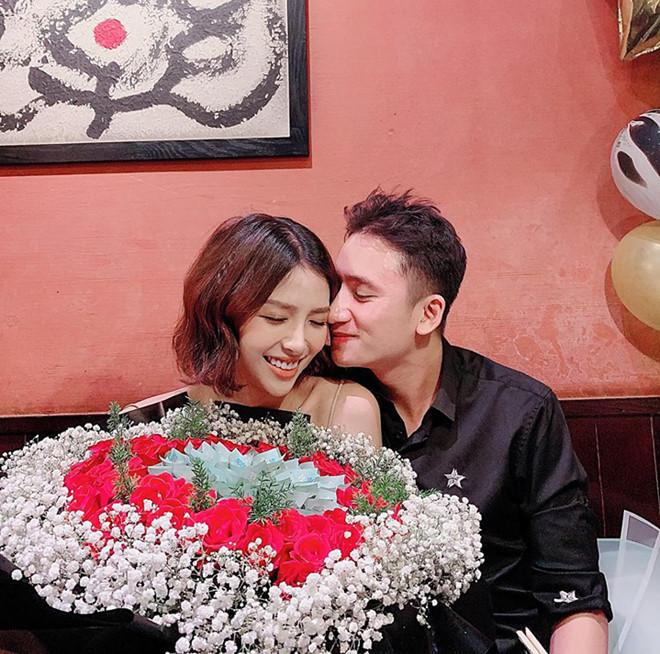 Bạn gái hot girl của Phan Mạnh Quỳnh mua nhà tiền tỷ trước lễ cưới