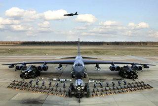 Dàn vũ khí Mỹ điều tới Trung Đông 'chiếu tướng' Iran