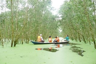 Firms expect floods to boost Mekong tour sales