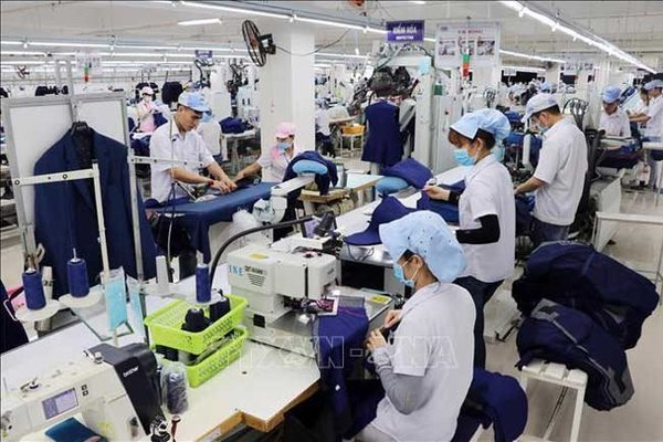 Changing global business climate strikes Vietnam firms