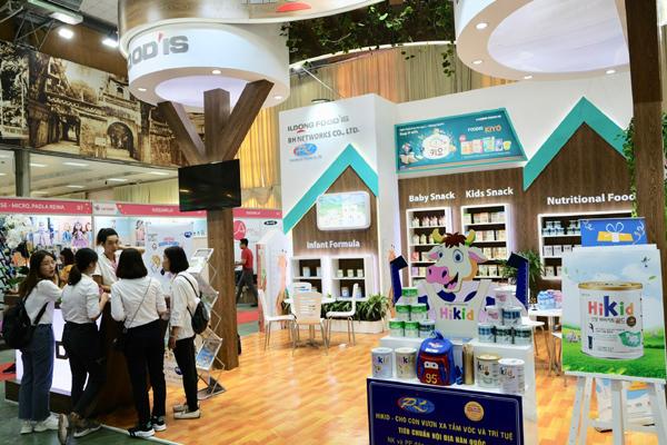 'Mưa' quà tặng từ sữa Hikid tăng chiều cao tại Triển lãm Vietbaby Hà Nội 2019