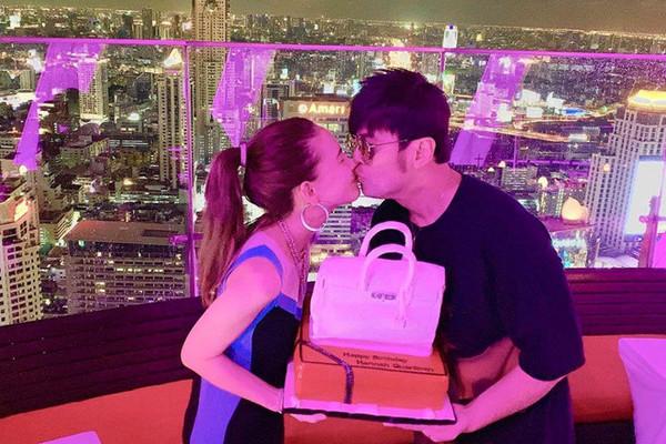 Cuộc sống sang chảnh của Châu Kiệt Luân và vợ 9X